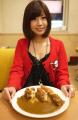 マンモスカレー、「まなちゃんカレー」を期間限定で発売! 週刊ヤングジャンプ第14代ぷるるんQUEEN・天野麻菜がプロデュース