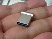 1円玉サイズのUSB3.0メモリーが登場! PQI「i-mini」発売