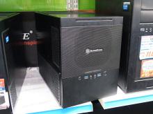 コンパクトなキューブ型MicroATXケース! SilverStone「SST-SG10B」発売