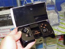 スマホに装着できるゲームパッドMOGA「Mobile Gaming Controller for Android」が登場!