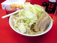 二郎系「ラーメン どん」、秋葉原にオープン! つけ麺や魚介バージョンも提供