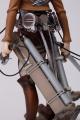 進撃の巨人、精巧な「1/8 リヴァイ」フィギュアが千値練から登場! 掃除姿を再現できる限定版も