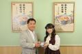 肉好き声優・竹達彩奈、秋葉原で吉野家の牛丼を熱烈PR! 正式メニュー化「アタマの大盛」に感激