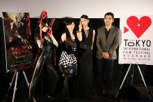 アニメ版「BAYONETTA(ベヨネッタ)」、東京国際映画祭で舞台挨拶を実施! 田中敦子と園崎未恵も登場