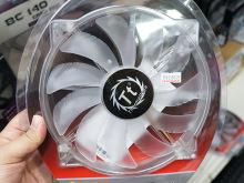 風切り音を低減した200mmサイズの大型冷却ファンがThermaltakeから発売に!