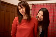 実写映画版「最近、妹のようすがちょっとおかしいんだが。」、場面写真を公開! 女性同士の絡みや激しい濡れ場も