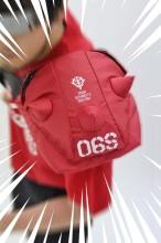 ザクの肩部分=「スパイクアーマー」を再現したバッグにシャア専用バージョン! 9月中旬に発売