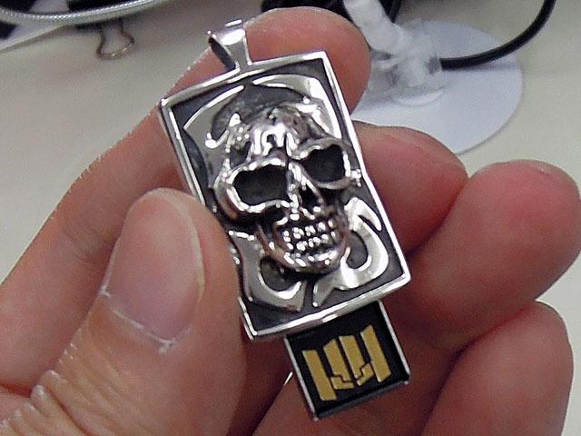 【アキバこぼれ話】USBメモリ付きのシルバーアクセサリーが販売中