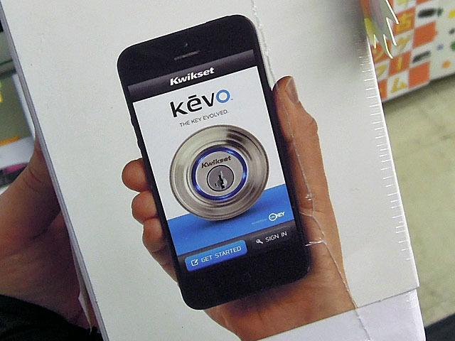 タッチでドアが解錠できる スマホ対応ドアロックシステム「Kevo」がKwiksetから!