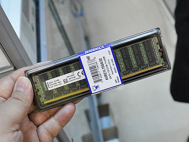 実売約9万円の容量32GBのDDR4メモリーが店頭販売中!