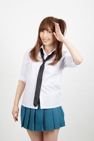 声優・内田彩、コスプレで女子高生ギャル姿に! 「レーカン!」のイベントでは生コスプレでキャラソン歌唱