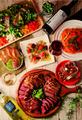肉バル「ミートハウス 炉区(ロック)」、秋葉原で3月4日にオープン! 大ボリュームの肉料理と低価格ワイン