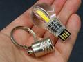 給電時に発光する電球型USBメモリが販売中
