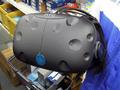 仮想空間内を自由に動き回れるHTC製VRヘッドセット「HTC Vive」が登場!