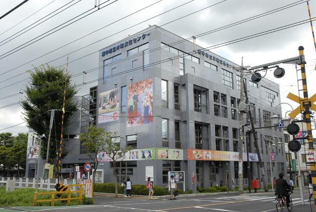 府中市、TVアニメ「ちはやふる」で市施設をラッピング! 描き下ろしイラストも
