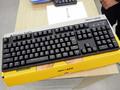 ピンク軸(静音赤軸)採用キーボード「ProgresTouch RETRO」がアーキサイトから! 交換用キーキャップ3モデルも発売中