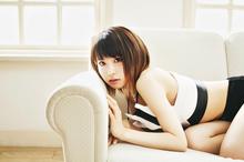 より開放的に! 第2章に突入した綾野ましろのニューシングル「NEWLOOK」が登場