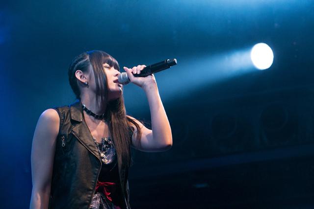 「織田かおり 10th Birthday SOLO LIVE 2017」レポート 10年間の軌跡を詰め込んだ全21曲を披露 4thアルバム「Gift」も発売決定!