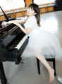 牧野由依が、「サクラダリセット」の主題歌シングルをリリース! 本人によるピアノ演奏も。