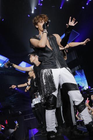宮野真守、多くの笑顔と「LOVE」に溢れた全国ツアー「MAMORU MIYANO LIVE TOUR 2017 ~LOVING!~」レポート到着!!