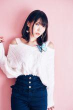 相坂優歌ファーストアルバム「屋上の真ん中 で君の心は青く香るまま」より、「瞬間最大me」のMVが本日公開!!