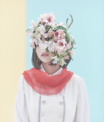 花言葉がバラエティ豊かな曲を彩る。鹿乃が2ndアルバム「アルストロメリア」をリリース