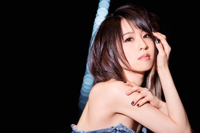 力強い新曲「starry」とともに、綾野ましろの2018年がスタート!
