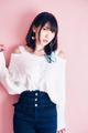 相坂優歌が1stアルバムをリリース。アルバムMV曲は、大森靖子の楽曲提供によるガーリーなロック「瞬間最大me」