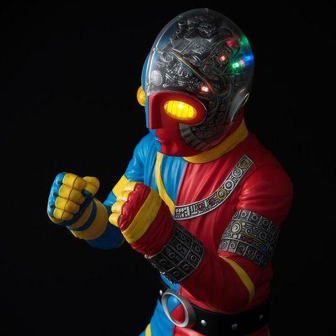 「チェンジ! スイッチ・オン!」頭部発光ギミックを内蔵した約40㎝の「人造人間キカイダー」が登場!!