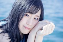 鈴木みのりの2ndシングルは、豪華ダブルタイアップによる両A面!