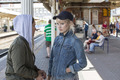 SFサスペンスドラマ「ヒューマンズ」より、迫真の駅員アナウンスを披露した田中理恵・KENNの特別映像が公開!