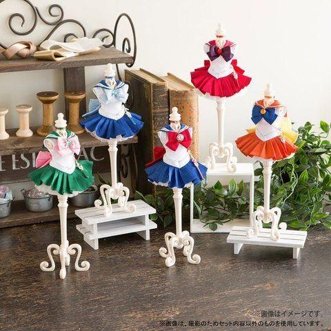 【編集部でも飾ってみました】「美少女戦士セーラームーン」のミニチュアドレスの再販が決定! セーラージュピター、セーラーヴィーナスも予約受付開始!
