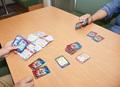 「ポプテピピッククソカードゲーム」をプレイしてみたら、想像以上にクソだった件。【カードゲーム初心者の編集部が遊んでみた】