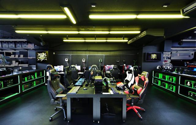 eスポーツの最新デバイスセットを試遊体感できる「TEAM GRAPHT GAMING CENTER」がソフマップAKIBA2号店に9月20日OPEN!