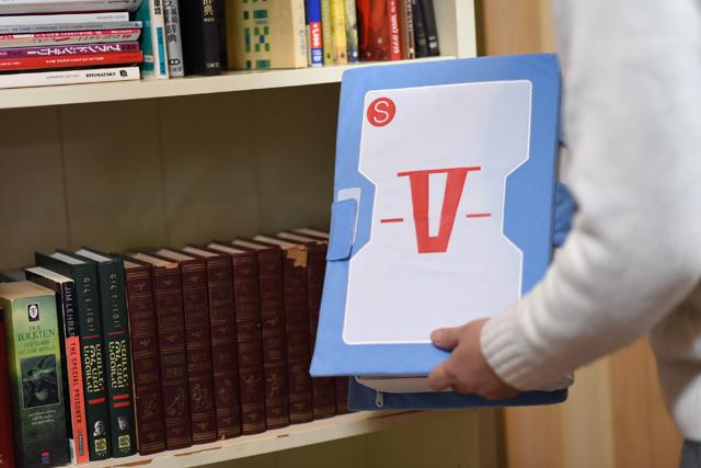 「V作戦マニュアルクッション」を現代社会で戦う企業戦士が手に入れた結果は……!?