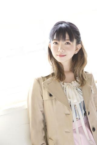 牧野由依、初の2枚組セレクトアルバム「UP!!!!」を3月20日にリリース!