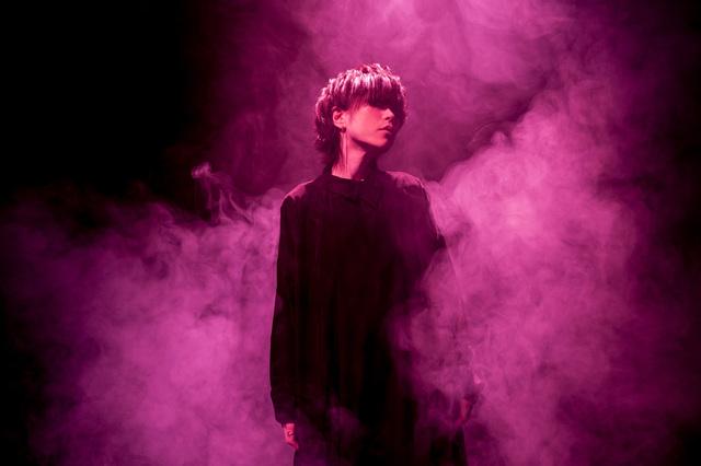 【インタビュー】危険なケムリが立ち上がる! たつき監督作品とのコラボによるナノの新曲「KEMURIKUSA」