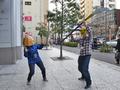 「リポビタンD×キングダム 出陣!クラフトパック」についてくるペーパークラフトを制作して、都会のド真ん中に出陣してみた!