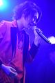 自分たちの「場所」を作り続けるために! 多彩な楽曲とパフォーマンスでファンを魅了した「松岡侑李ファーストライブ」レポート!