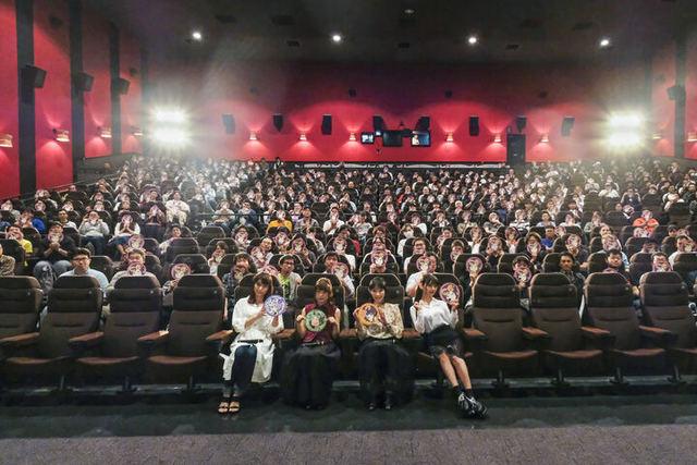 「大人の事情」を超えた上映&キャストトーク! TVアニメ「なんでここに先生が!?」限界突破の完全版振り返り&先行上映会レポート