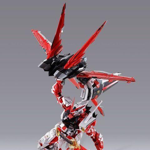 ガンダムアストレイレッドフレームが装備する「フライトユニット」が、カラーリングとマーキングを一新し、背部バックパックジョイント付属で再登場!!