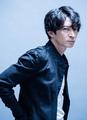 あおきえい監督最新作「ID:INVADED イド:インヴェイデッド」、オフィシャルトレーラー公開! 主演の名探偵は津田健次郎!