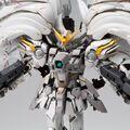 「新機動戦記ガンダムW Frozen Teardrop」より、カトキハジメ氏によるウイングガンダムスノーホワイトプレリュードが登場!