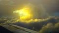放送中のTVアニメ「空挺ドラゴンズ」より第3話のあらすじ&先行カットが到着。船の前に嵐を伴う巨大な雲が迫り来る……!