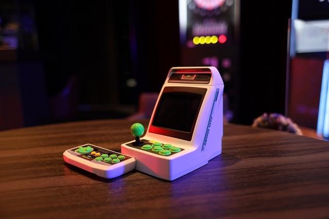アーケード筐体のミニゲーム機「アストロシティミニ」がBGMモードを搭載! セガアーケードゲームの名曲10トラックを収録!