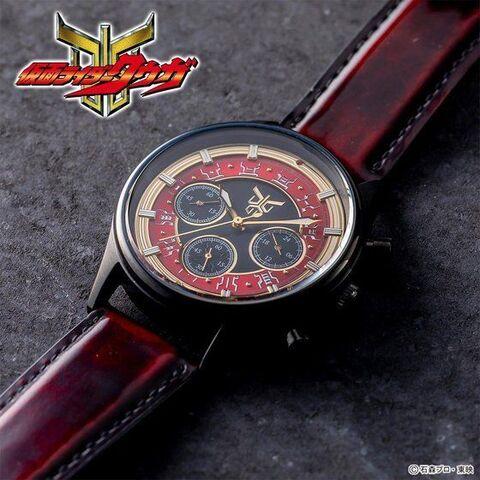 仮面ライダークウガ20周年記念! ライジングマイティをイメージしたクロノグラフ腕時計が登場!