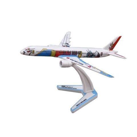 架空の機体をプラキットで表現した「デコエアー」に「機動戦士ガンダム」からガンダム・シャア専用ザク・量産型ザクの3種が登場!