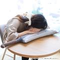 「ひぐらしのなく頃に 卒」レナの武器・鉈がまさかのクッションに! 抱きしめても痛くない!