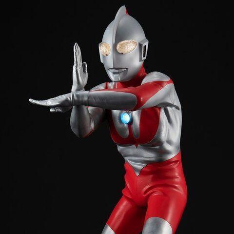 大迫力の40㎝スケール、リアルディテール、電子ギミックを兼ね備えたUAシリーズに、至高の'初代'ウルトラマン「ウルトラマン(Cタイプ)」がついに登場!