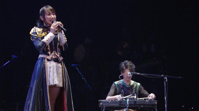 水樹奈々「SHAMAN KING」OP曲ジャケット・最新アーティスト写真・未公開ライブ映像を公開!